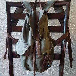 Mini drawstring backpack.